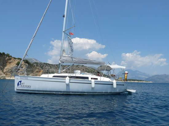 Sail Ionian Yacht Charter: The beauty of Southern Ionian Calypso at anchor