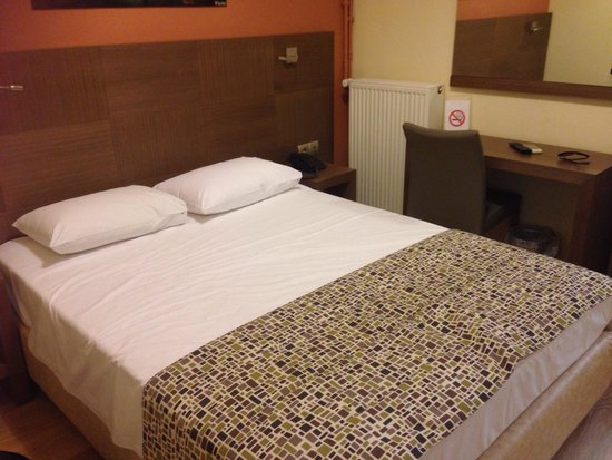 Hotel Orestias Kastorias: normal room for couple