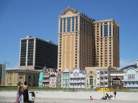 Atlantic City Boardwalk: Caesar's