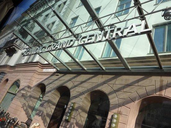 Grand Central by Scandic: Центральный вход