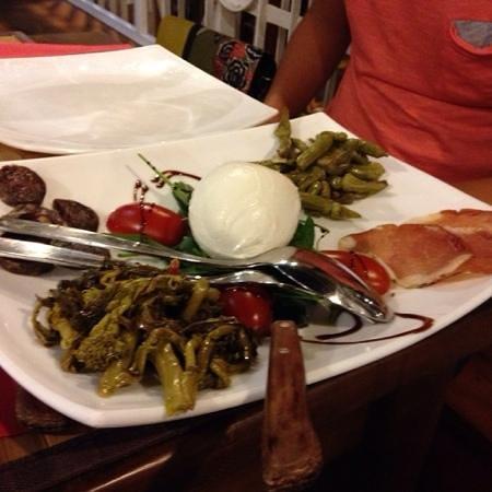Inn Bufalito Taverna Mediterranea: Antipasto misto