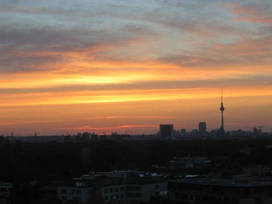 InterContinental Berlin : Dawn over Berlin