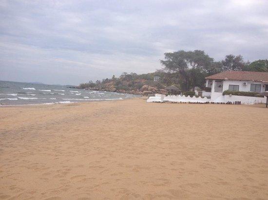 Sunbird Livingstonia Beach: beach