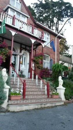 The Robin Hill Hotel: Ingang Robin Hill Hotel