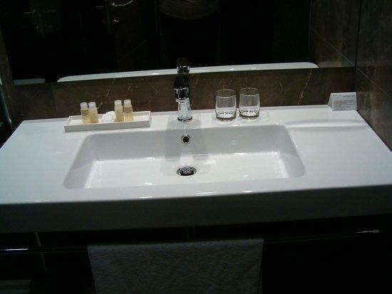 Hotel Park - Urban&Green: Baño muy cómodo y práctico