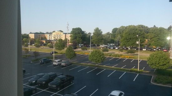 Fairfield Inn & Suites Cleveland Beachwood: View from room