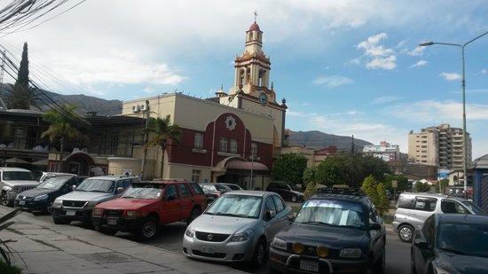 Gran Hotel Cochabamba : Frente del Hotel