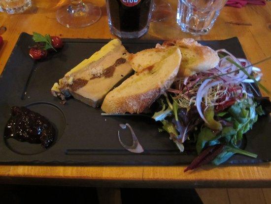 La Porte d'A Cote : Terrine de foie gras maison avec confiture de figues