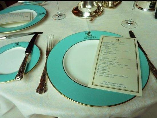 The Ritz London: Table setting in 'The Ritz Restaurant'