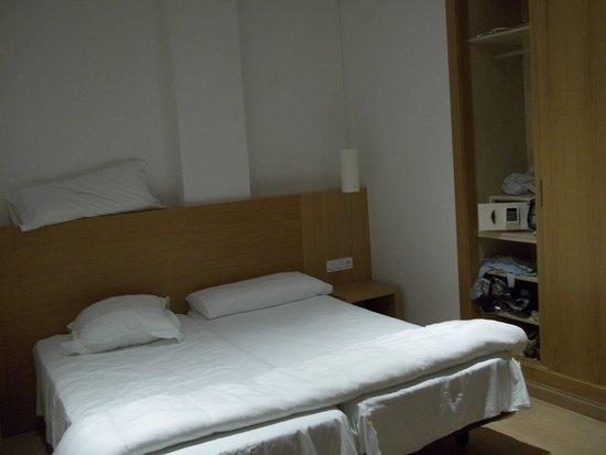Al Sur Apartamentos Turisticos: dormitorio