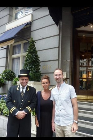 The Ritz London: One last photo- Just before we say goodbye to The Ritz!!!  (Notice our sad faces haha)