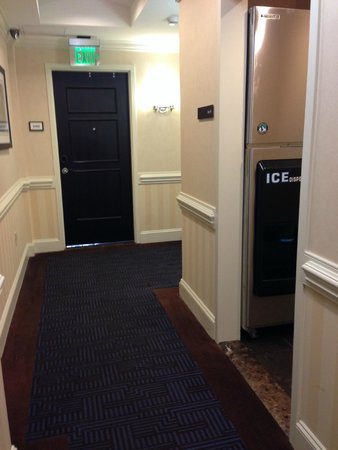 Sheraton Columbia Downtown Hotel: Note the ice maker in the hall RIGHT ACROSS from my room.  Gaps under another door down the hall