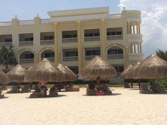 Iberostar Grand Hotel Paraiso: grass huts and hotel