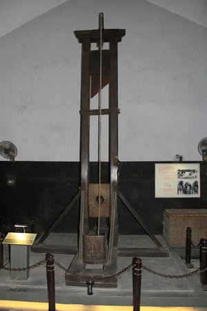 Prisión de Hoa Lo: One method of dispatching with prisoners