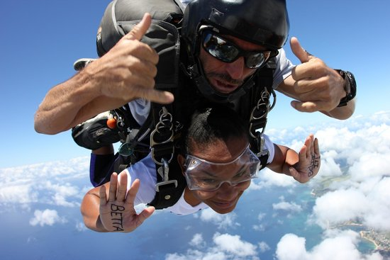 Skydive Hawaii: Betta BELIZE it!