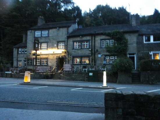 Saddleworth Pub Restaurants