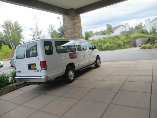 Comfort Suites Anchorage International Airport: Shuttle (without driver)