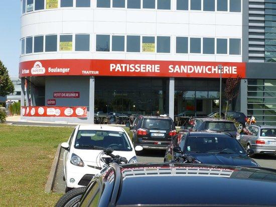 Plaza Site du Futuroscope Hotel : patisserie