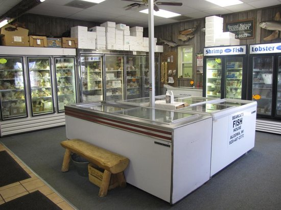 Algoma, WI: Inside the store