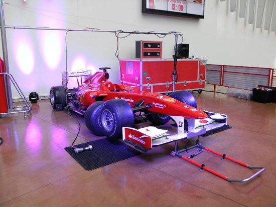 Ferrari World Abu Dhabi : atelier de montage