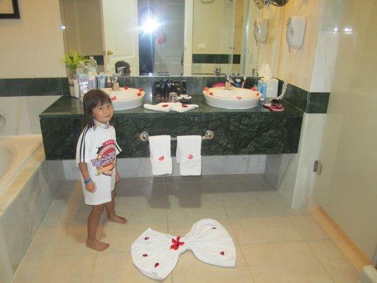 Luxury Bahia Principe Esmeralda Don Pablo Collection : bathroom decorations