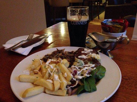 Ardmore Hotel: Steak and chips