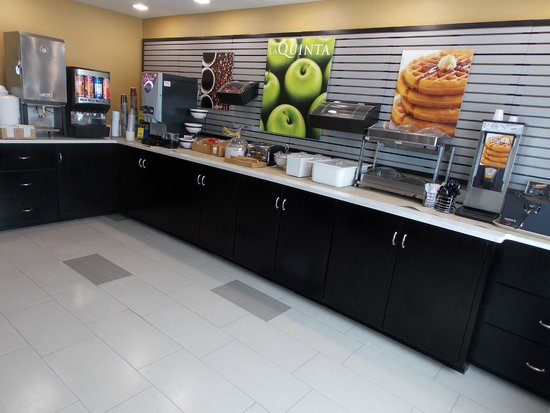La Quinta Inn & Suites Oxford - Anniston : breakfast room