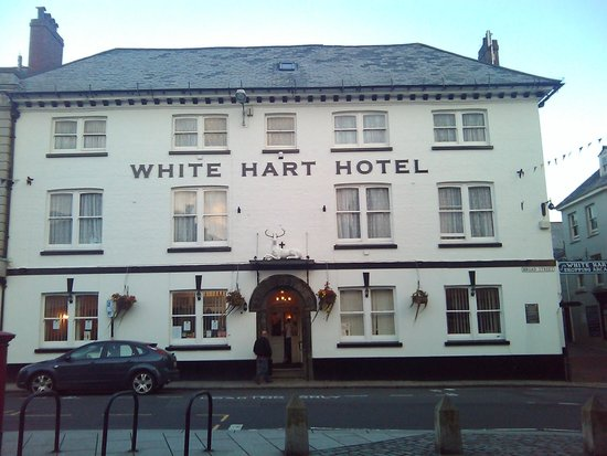 White Hart Hotel: Front of Hotel