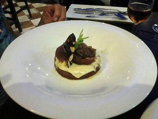 Restaurante la Mirta: manzana con higos y bolacha