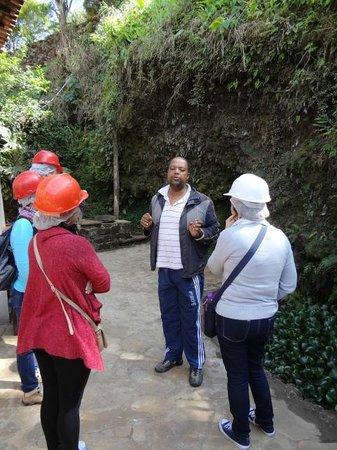 Minas de Chico Rei: Início da visita à Mina Santa Rita