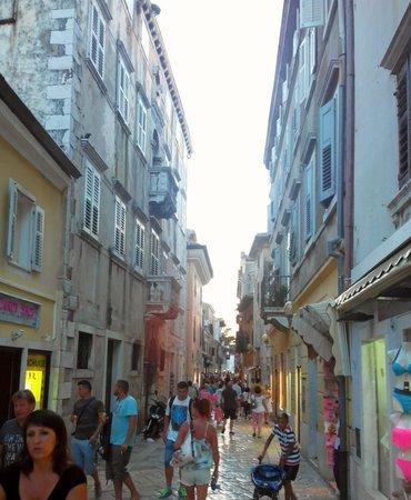 Porec Old Town: ruelle