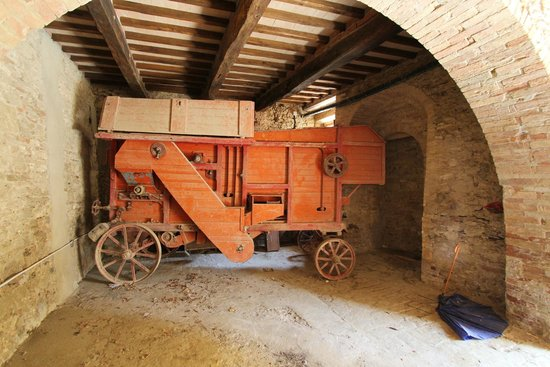 Tours By Roberto : Farm implement in Lucignano