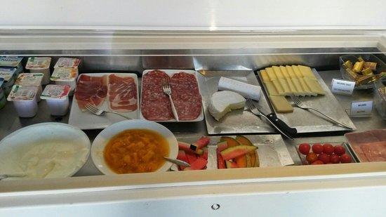 Hotel Madeloc: Breakfast madeloc
