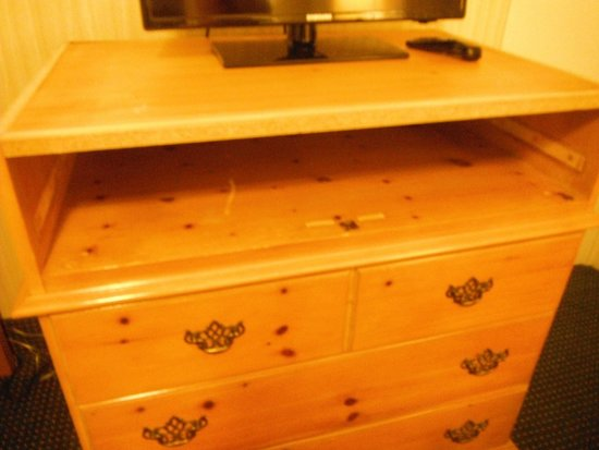The Wharf Inn : We did not bother requesting a top dresser drawer