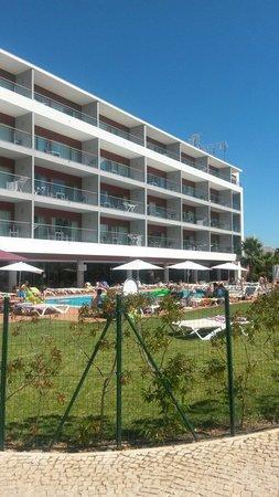 Areias Village Hotel Apartamento: View at rear of hotel