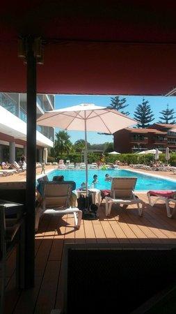 Areias Village Hotel Apartamento: Pool from outdoor seating area