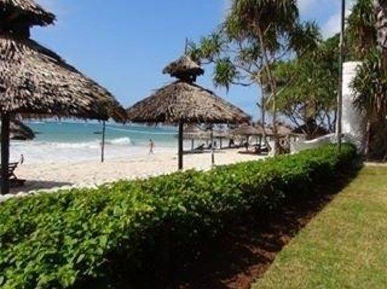 Southern Palms Beach Resort : Strand