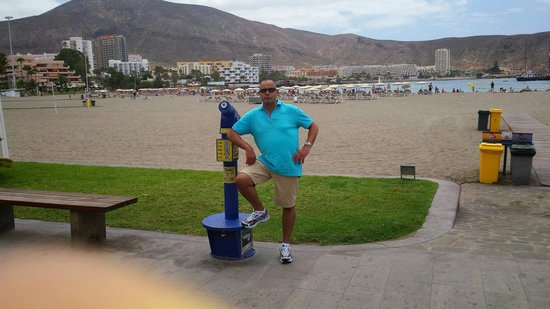 Los Cristianos Harbour : I love this beautiful beach nice in cleaning.