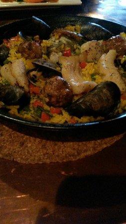 Black Trumpet Bistro: Paella