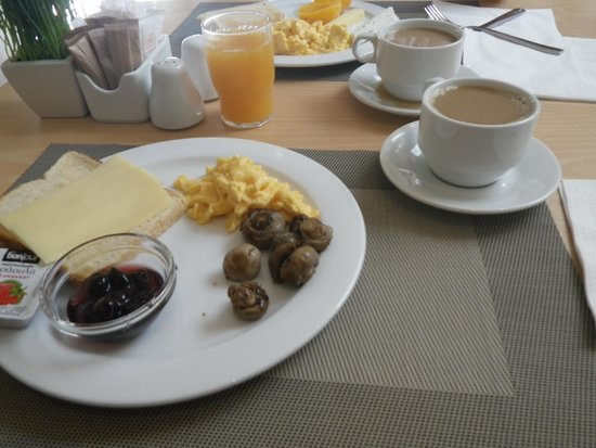 Central Athens Hotel : Breakfast - Delicious fresh OJ
