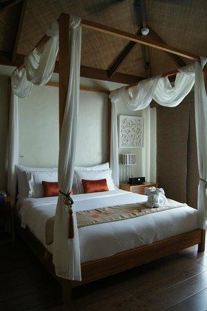 Crimson Resort and Spa, Mactan: Chambre