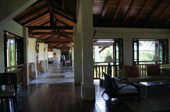 Crimson Resort and Spa, Mactan: Accueil