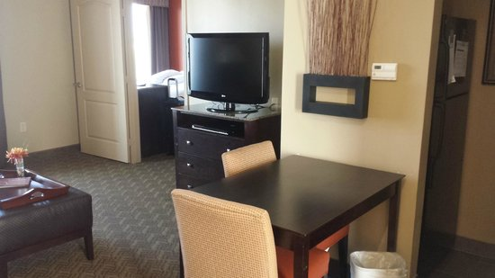 Homewood Suites by Hilton Waco, Texas: Living area