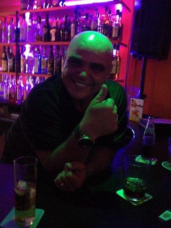 Juke Box Bar: Domingo