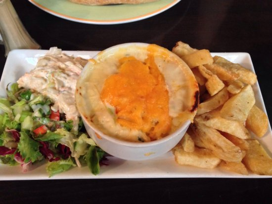 The Gingerman: Seafood pie and chips