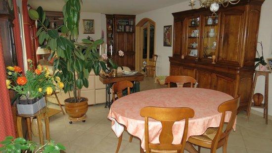 Cernex, France: Salle à manger