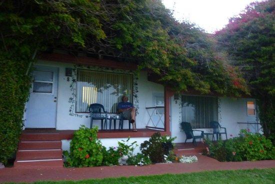 Beachcomber Inn: Our room!