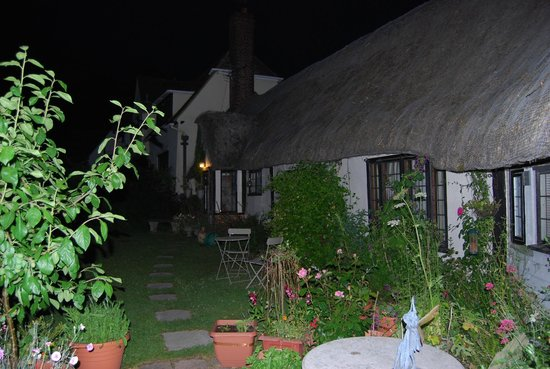 Church Hall Farm B & B: At night