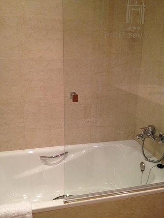 Hotel Don Paco: Baño