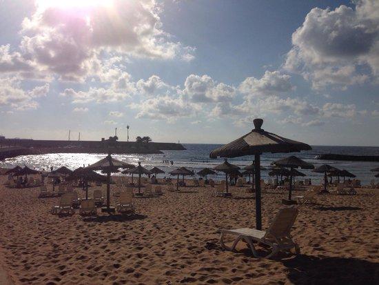 Golden Tulip Jiyeh Marina & Resort: Lovely sandy beach